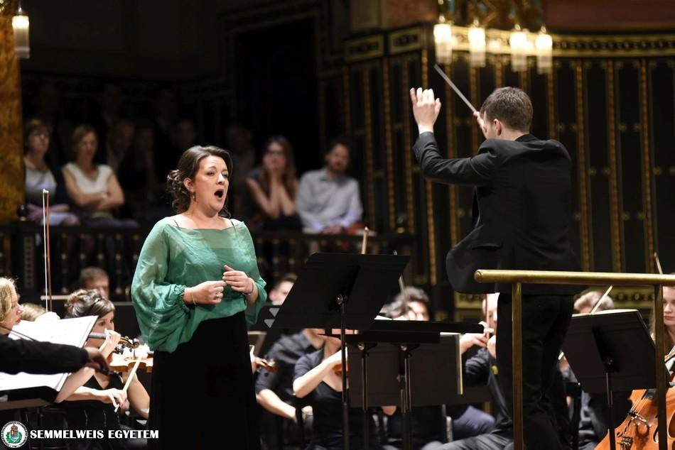 gergely-duboczky-conducting